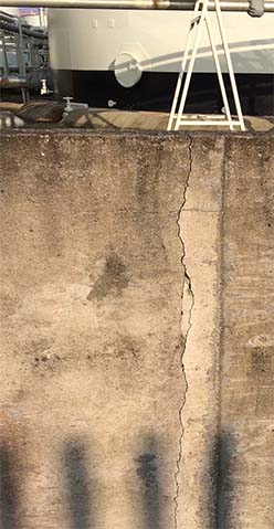 crack in bund discovered during bund survey